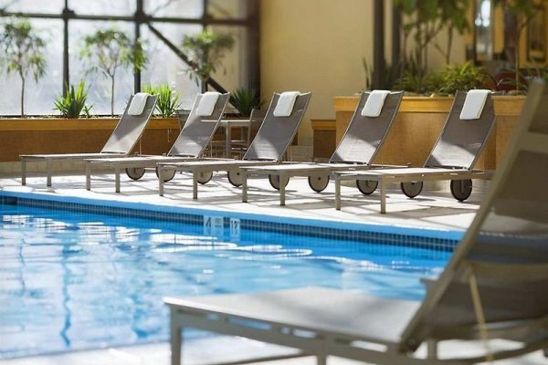 Doubletree By Hilton Hotel Newark Airport