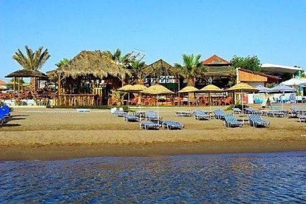 Raffaello Beach Hotel