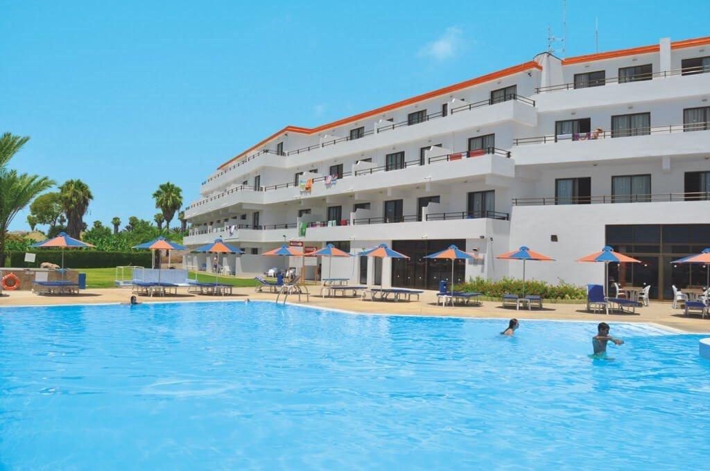 Corallia Beach Hotel & Apartments