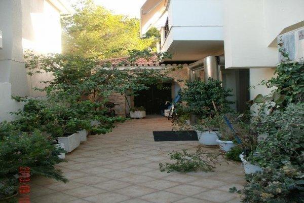 Montes Studios & Apartments