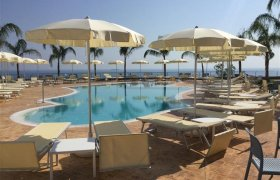 Blue Bay Resort recenzie