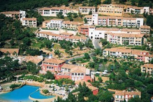 Residence Les Restanques Du Golf De Saint Tropez