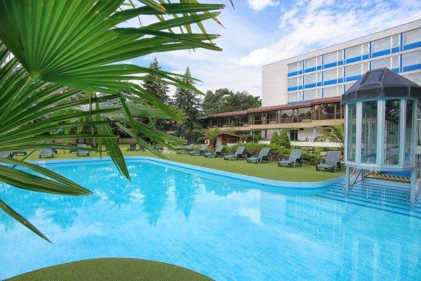 Piešťany: Splendid Esnana Health Spa Hotel 3* (balíček SPA) - 1 noc zdarma