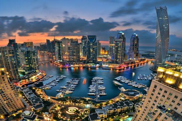 Sviatky v Dubaji: Metropolitan Hotel 4* + vstup na súkromnú pláž