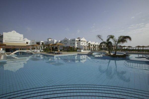 Lahami Bay Beach Resort & Gardens