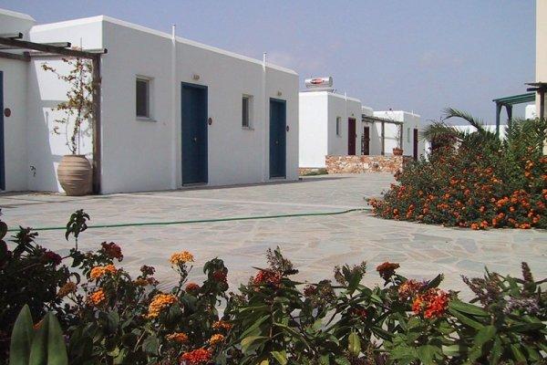 Paros Land Hotel & Resort