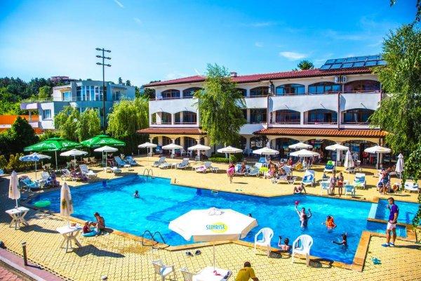 Bulharsko: Complex Sunrise 3* z Krakova