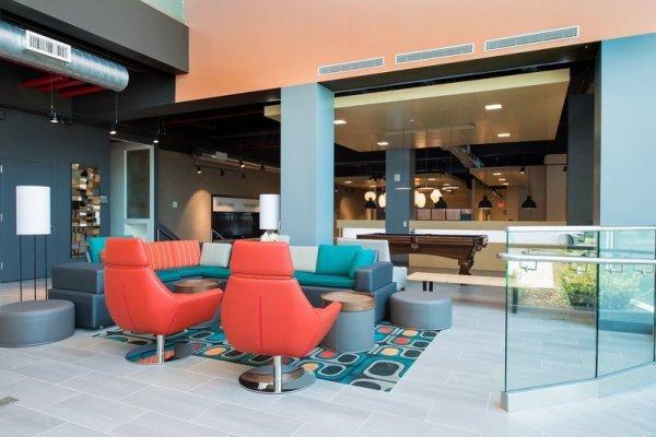 Aloft New York Laguardia Airport Hotel