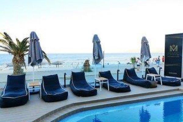 Mare Blue & Suites