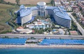 Crystal Admiral Resort Suites & Spa recenzie