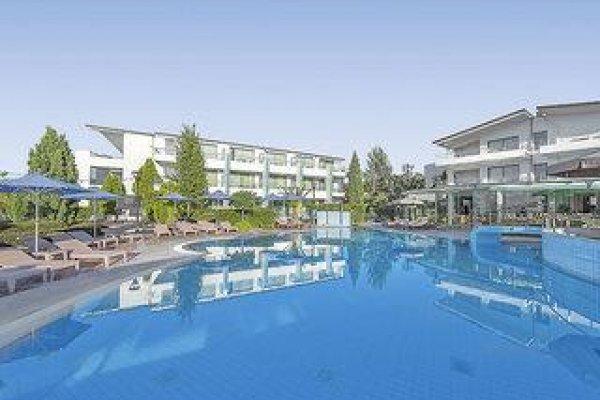Poseidon Palace & Studios Apartments