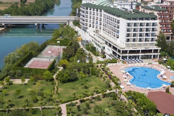 Perre Delta Resort & Spa