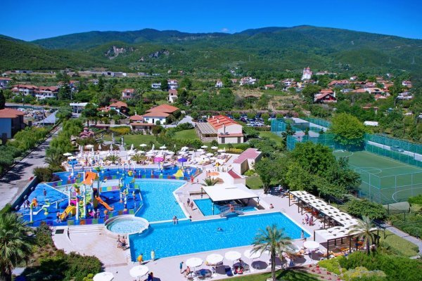 Cronwell Platamon Resort