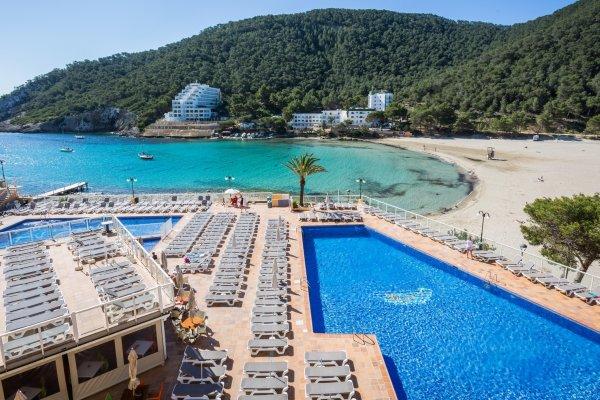 Ibiza: SuneoClub Cala Llonga Resort 3*+