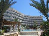 Crystal Springs Beach Hotel recenzie