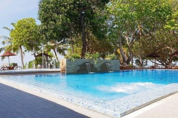 Lily Beach Resort & Spa Huvahendhoo