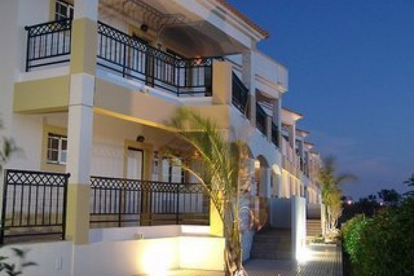 Novochoro Appartements & Villas