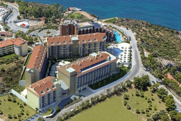 Ramada Hotel & Suites By Wyndham Kusadasi