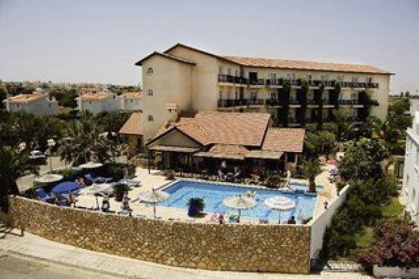 Anais Bay Hotel & App.
