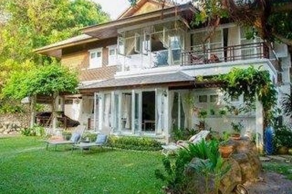 Banyan House Samui Bed & Breakfast
