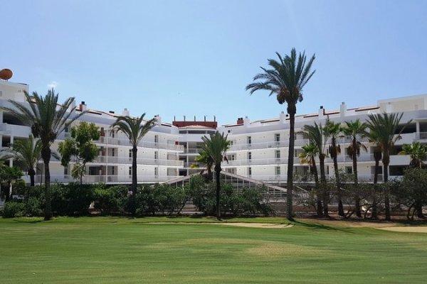 Gara Suites Golf & Suites