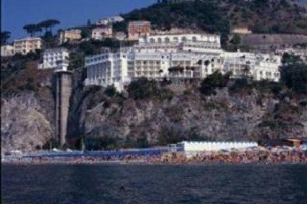 Lloyd´ S Baia Hotel