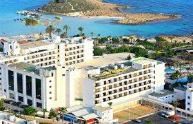 Adams Beach Hotel recenzie