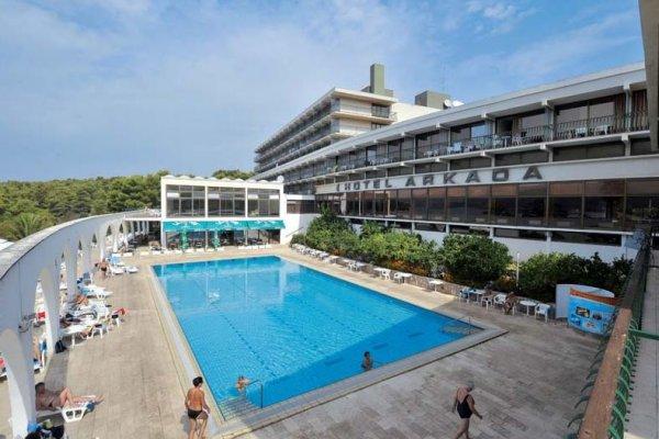 Arkada Sunny Hotel By Valamar