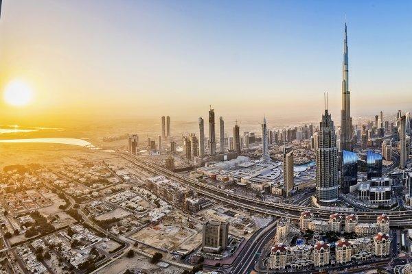 Dubaj: Metropolitan Hotel 4* + výlet Jeep Safari zadarmo
