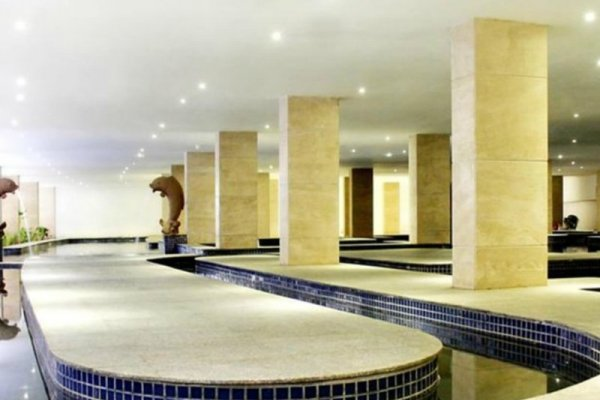 The Rich Prada Demnächst Dreamland Paradise Hotel