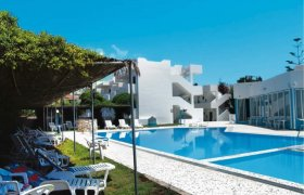 Blue Jay Beach Hotel recenzie