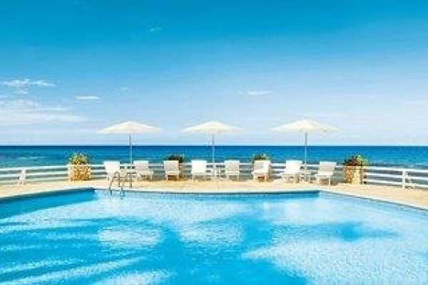 Couples Sans Souci Resort & Spa