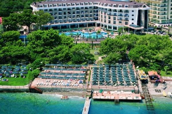 Hotel Sunland Resort & Spa
