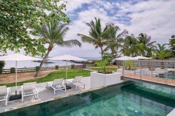Les Estivales Beachfront Suites & Penthouses By Lov