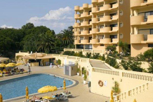 Falesia Beach Resort