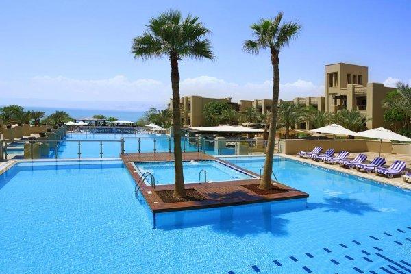 Jordánsko, Mŕtve more: Holiday Inn Dead Sea 5* z Bratislavy