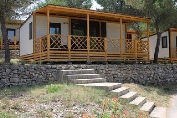 Holiday Village Jezera Lovisca & Mobilhomes