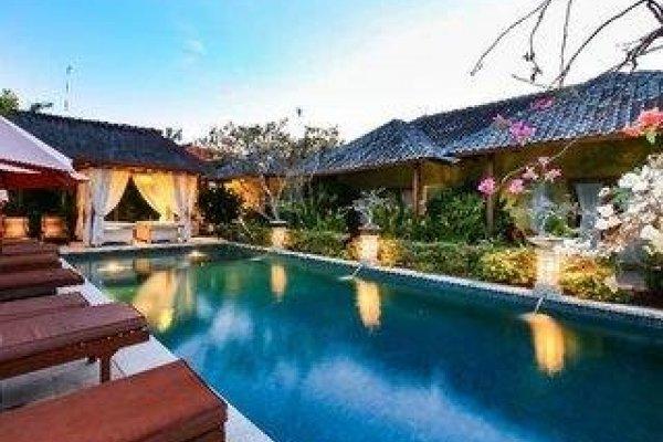 Aleesha Villas & Suites