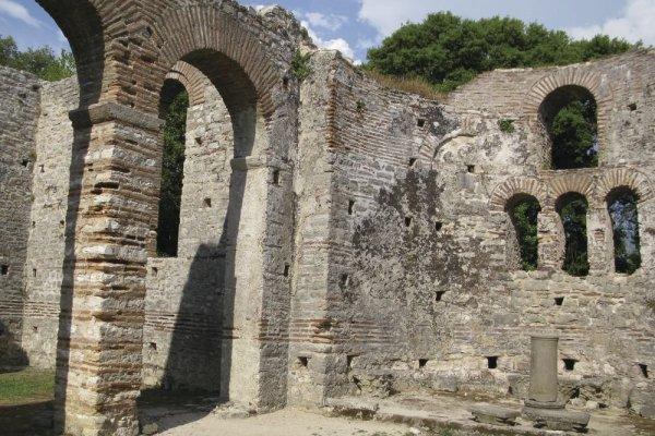 Neobjavené Krásy Južného Albánska S Kúpaním V Mori
