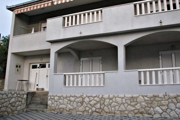Apartments Bareta