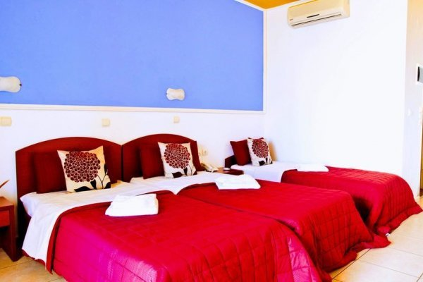 Yiannis Manos Hotel - Resort