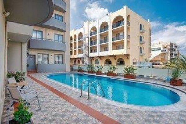 Icarus Suite & Apartments