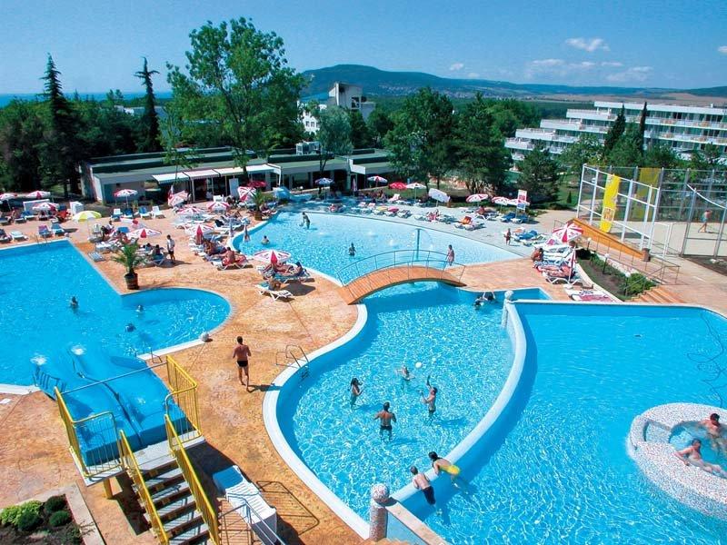 .Com Hotel