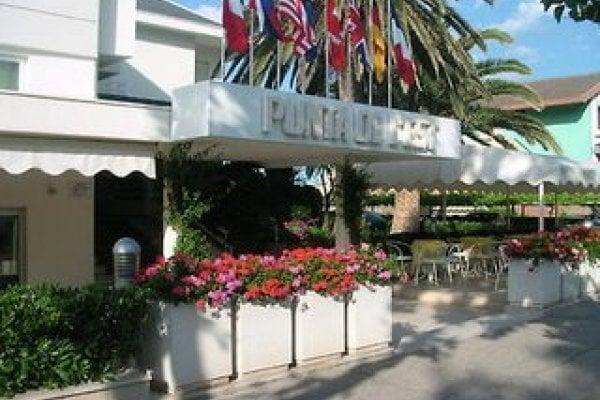 Albergo Punta De L´est Beach Hotel