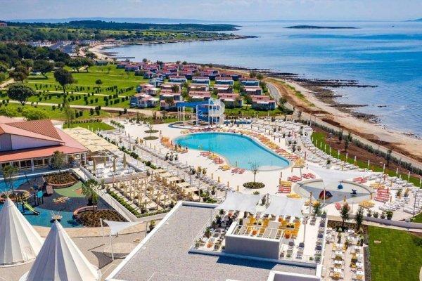 Arena Kazela Apartment Resort